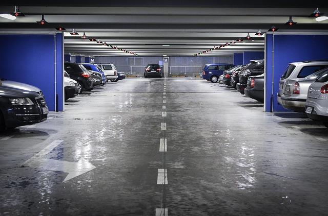 ドアパンチ・保険・等級・車両保険を使うと等級が3つダウンする・駐車場・当て逃げ