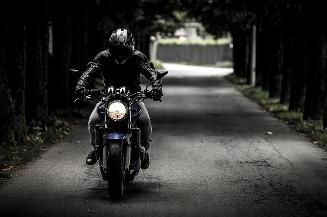 バイクの免許でスタートすれば最短で21歳からゴールド免許・いつからゴールドに|ゴールド免許は最短で何年かかる?