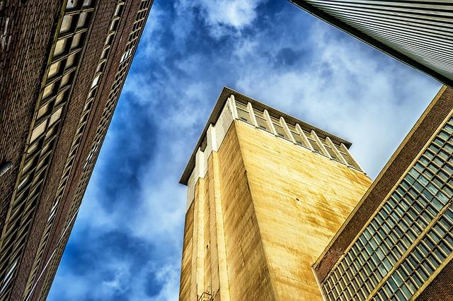 他社のゴールド免許割引と比較・イーデザイン損保|ゴールド免許割引|詳細解説|途中で変更