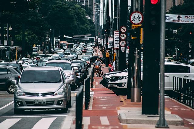 ダイレクト自動車保険には代理店がつかない・もらい事故では契約者が孤立する・ソニー損保|弁護士特約|必要性・使えない例・重複とは?