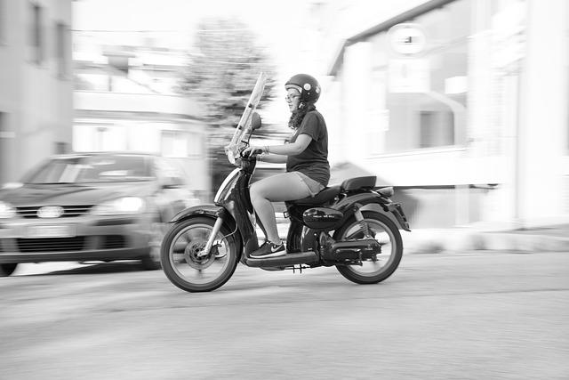補償額と補償内容・イーデザイン損保|ファミリーバイク特約|値段・盗難・家族・保険料・料金・値段・金額・ロードサービス・年齢・自損事故型・人身傷害型・ミニカー