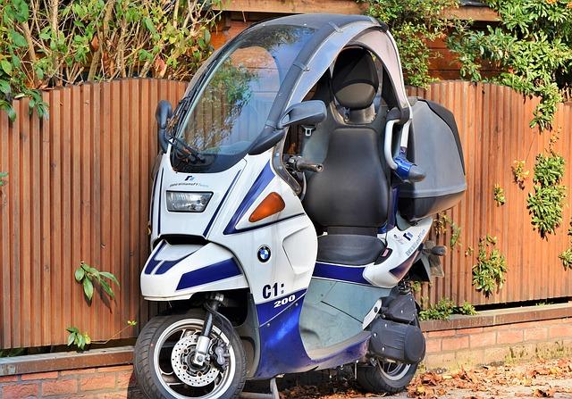 ファミリーバイク特約は扱っているけれど・おとなの自動車保険(セゾン) バイク保険見積もり・金額・値段