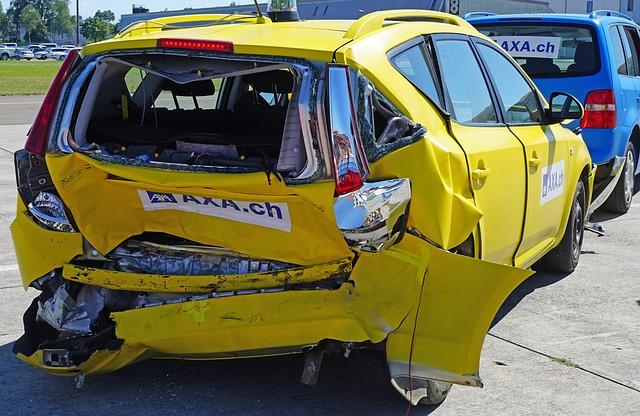 事故で全損になると発生する問題・物損事故で時価額を超える修理費が発生|交渉・保険・対策