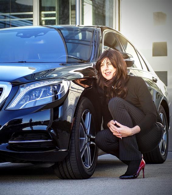 事故で大破した車と違う車種・車両新価保険特約(新車買替特約)|違う車種に買替できる?