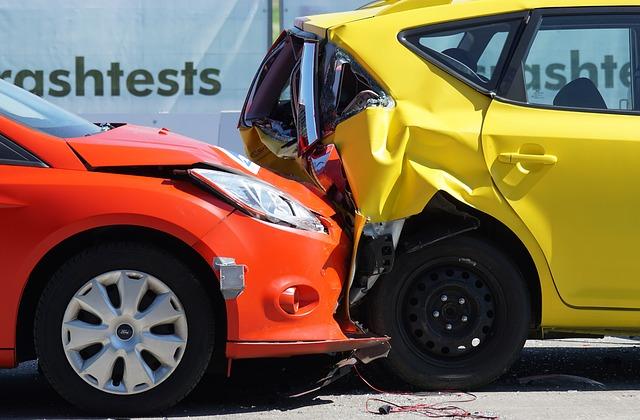自分の車両保険も使えます・もらい事故で全損 時価額が上限? 評価額の交渉法を解説