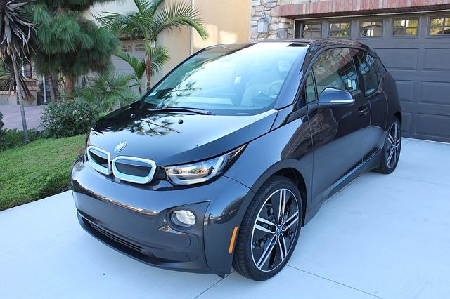 違う車種に買い替え可能だが実際にはハードルが高い・車両新価保険特約(新車買替特約)|違う車種に買替できる?