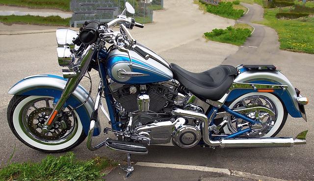 3社の年齢条件ですけど・東京海上日動 バイク保険|見積もり・金額・値段・料金・保険料
