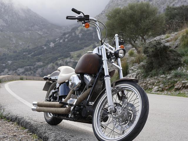 3社の年齢条件を比較します・SBI損保 バイク保険|見積もり・金額・値段・料金・保険料