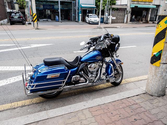 バイク保険御三家の年齢条件を比較する・バイク任意保険のおすすめは3社|保険料の比較・相場