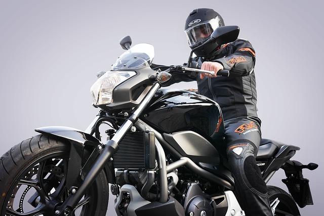 バイク保険御三家の補償内容を比較・バイク保険 評判|チューリッヒ・アクサダイレクト・三井ダイレクト