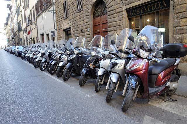原付バイクならファイミリーバイク特約もありですが・バイク任意保険のおすすめは3社|保険料の比較・相場