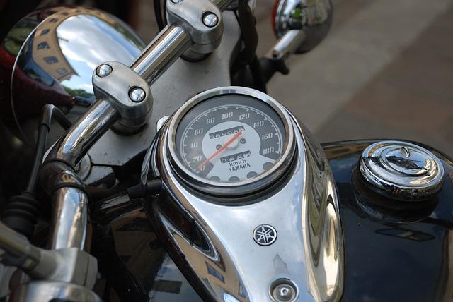 3社以外に選択肢なし・バイク保険 評判|チューリッヒ・アクサダイレクト・三井ダイレクト