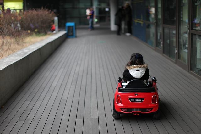 チューリッヒの年齢条件・自動車保険の年齢条件を詳細解説|各社の違いと特徴がわかる!
