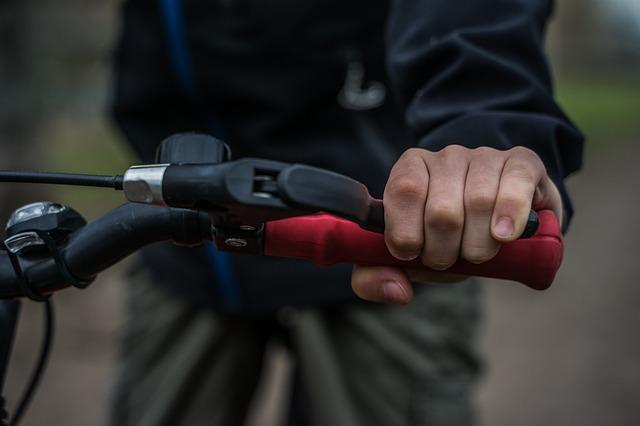 早わかり・三井ダイレクト|バイク保険の年齢条件|バイクの年齢制限