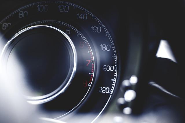 運転者限定・自動車保険の運転者限定家族限定・本人配偶者限定・本人限定