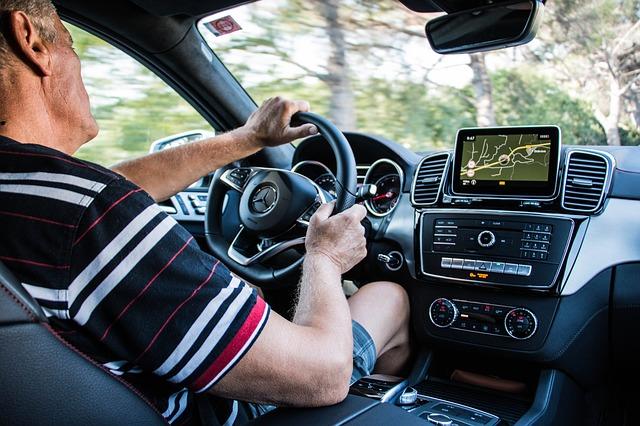 他人の車で事故・自分の保険・他車運転特約