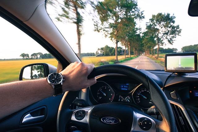 車を貸し借り・運転を交代・自動車保険|運転を交代・車を貸し借り|事故で保険金おりる?