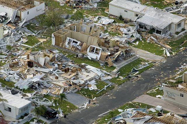 災害救助法・セコム損保・車両保険・自動車保険・台風・等級・免責・全損・分損|詳細解説