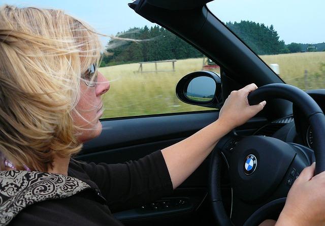 事故解決に役立った事例・あいおいニッセイ・ドライブレコーダー付き自動車保険・ドラレコ特約・タフ見守るクルマの保険(ドラレコ型)・事故発生の通知等に関する特約