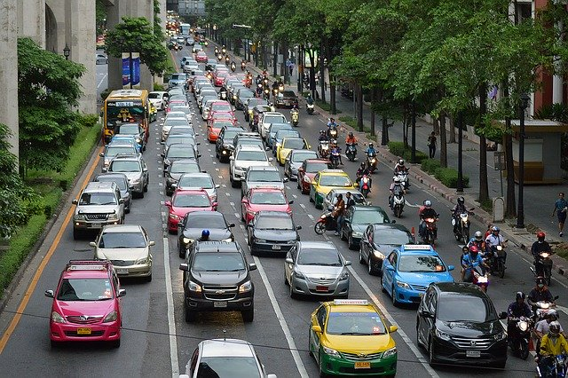 対象車種は・トラック・バス・タクシー・自家用車・バイク