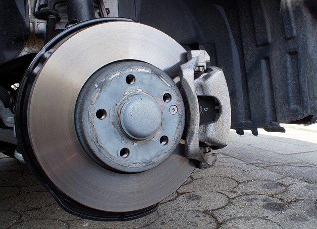 本当に自動ブレーキで事故は減少しているのか