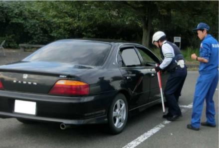車検切れは国土交通省、スピード違反は警察