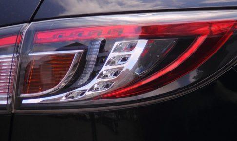 テールランプの車検基準・スモークテール・クリアテール・個数・割れ・反射板
