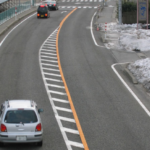 ゼブラゾーン・導流帯・走行・事故・過失割合・中央線・正式名称・停車・標識・道路交通法