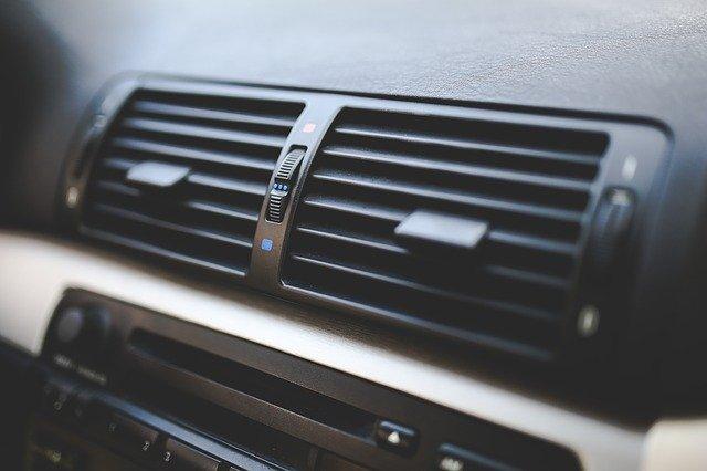 車・エアコン・修理・費用・機関・どこで