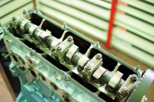 sohc・ohc・エンジン・とは・構造・仕組み・メリット・デメリット