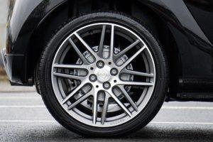 タイヤ・側面・パンク・釘・穴
