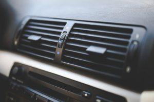車・水温警告灯・エアコン・オーバーヒート・効かない