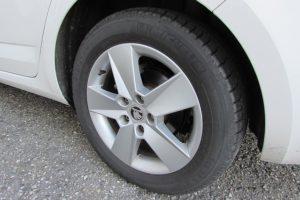 タイヤ・片減り・交換時期