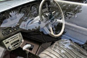車・窓・動かない