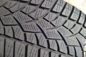新品スタッドレス・スタッドレスタイヤ・皮むき・慣らし・距離・高速・空気圧